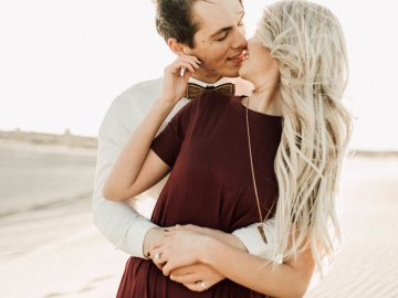Couple Photo at the St. Anthony Sand Dunes by Autumn Grey Photography