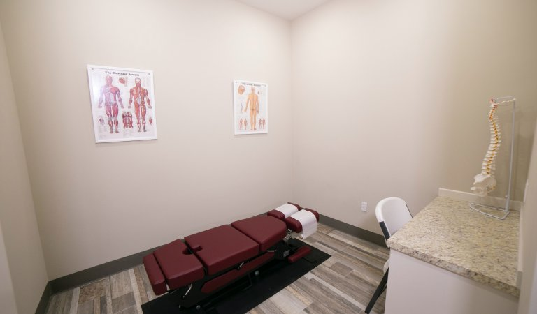 5 Signs You Should Visit a Chiropractor