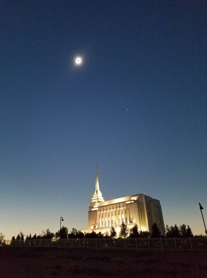 Eclipse photo by @tayloryardleyldstemples