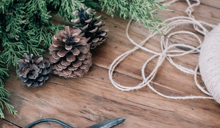 Decorate creatively with these DIY wreath ideas
