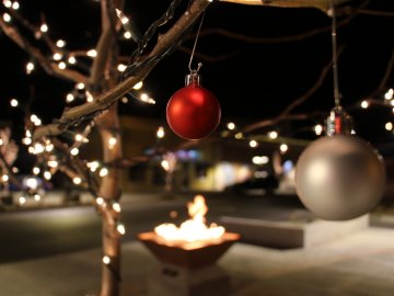 Rexburg Festival of Lights will take place Saturday, November 25th. It makes a great winter date ideas in Rexburg.