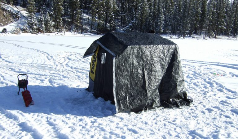 A guide to ice fishing near Rexburg