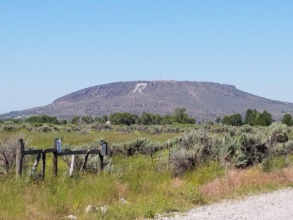 R Mountain